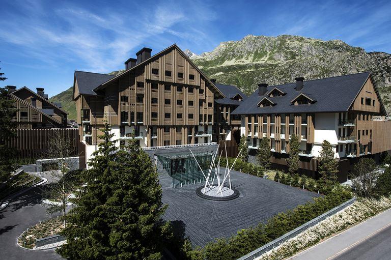 The Chedi Andermatt – лучший отель по версии Forbes Travel Guide