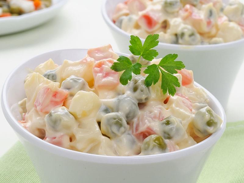 5 популярных салатов, которые знают (и любят) во всём мире - Салат«Оливье» или «Столичный»