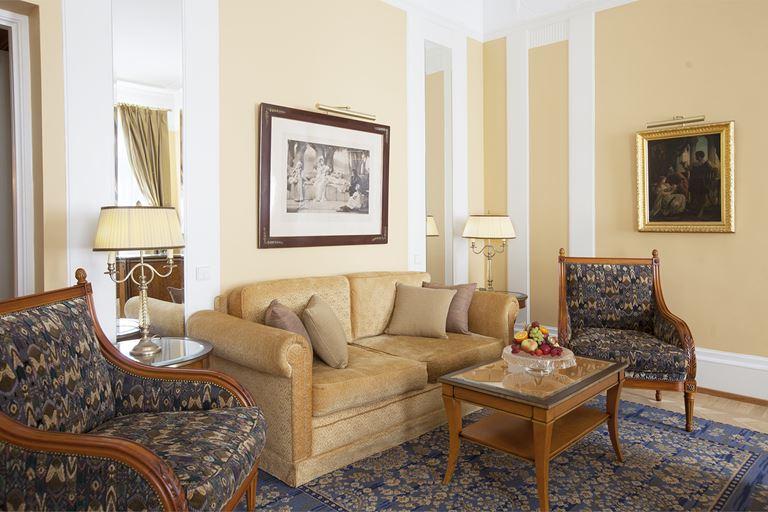 Выходные в венецианском стиле в Belmond Grand Hotel Europe (Санкт-Петербург)