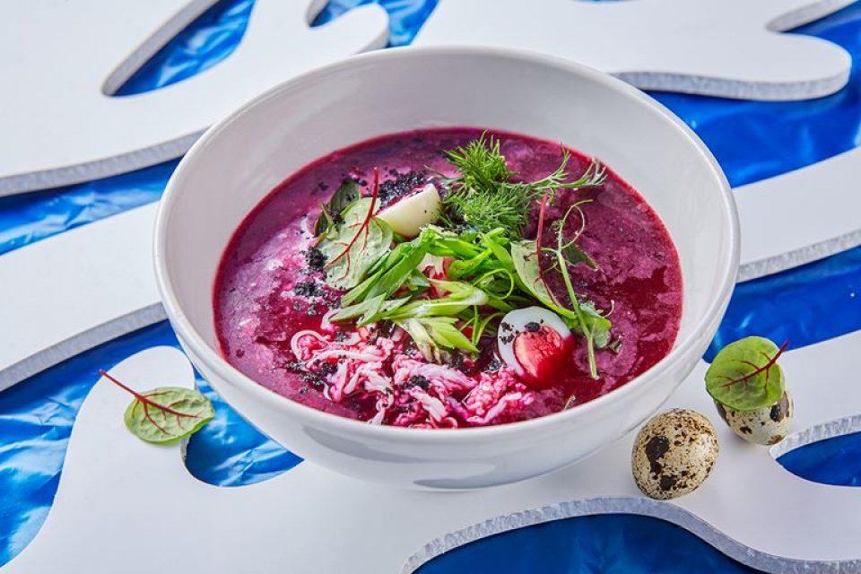 Свекольник, окрошка, гаспачо: освежающие супы в ресторане ERWIN.Река (Москва)