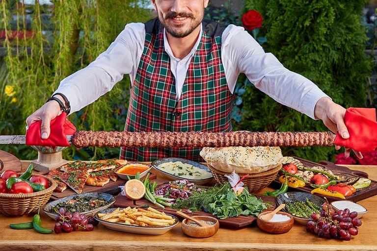 Фестиваль метровых кебабов в ресторанах сети Chef Group