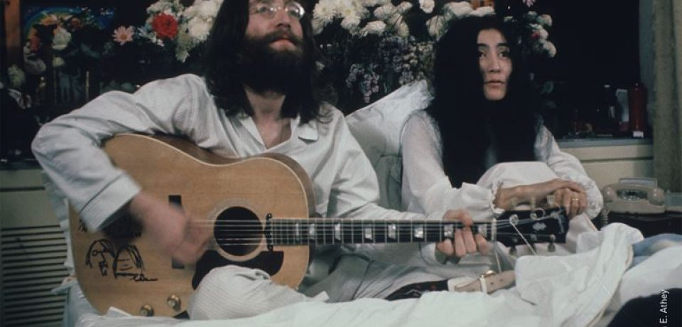 Fairmont The Queen Elizabeth отмечает 50-летие акции Джона Леннона и Йоко Оно «Bed-In For Peace»