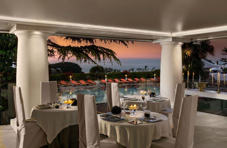Ресторан L'Olivo отеля Capri Palace