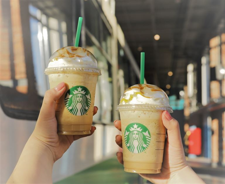 Второй Фраппучино в подарок от Starbucks выпускникам