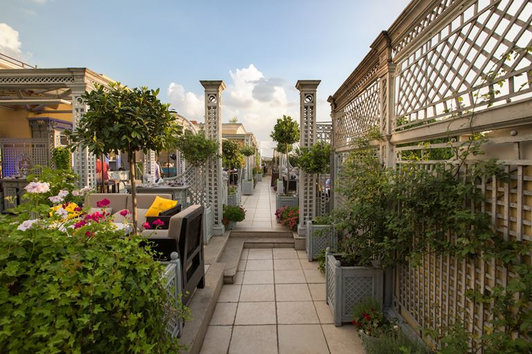 Трельяжная летняя терраса во дворце «Турандот» - фото 2