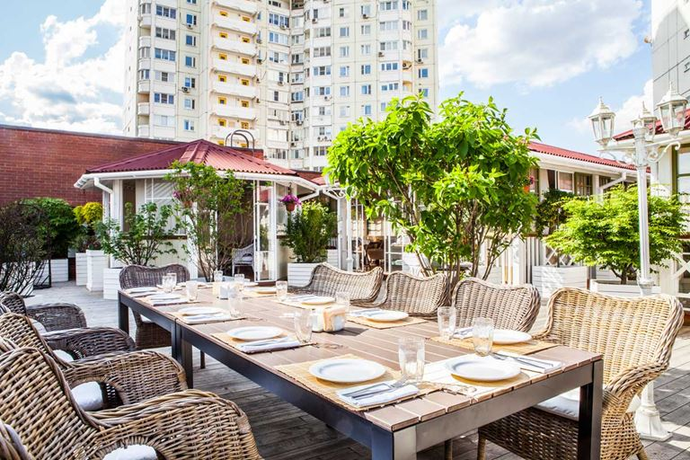 Ресторан грузинской кухни «Кувшин» приглашает на летнюю веранду