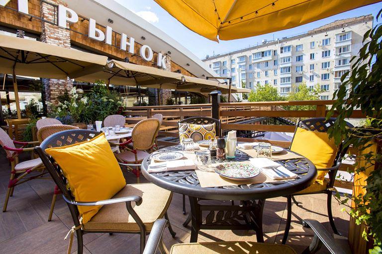 Вкус лета на верандах ресторанов «Сыроварня» в Москве и Санкт-Петербурге - фото 1