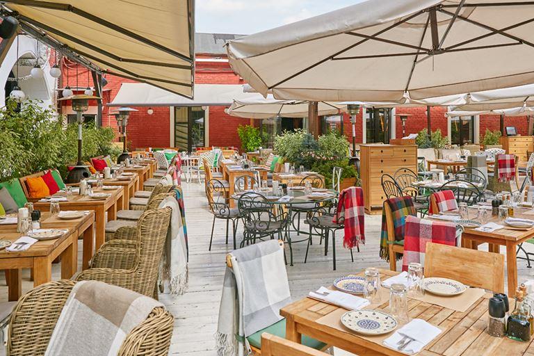 Вкус лета на верандах ресторанов «Сыроварня» в Москве и Санкт-Петербурге - фото 2