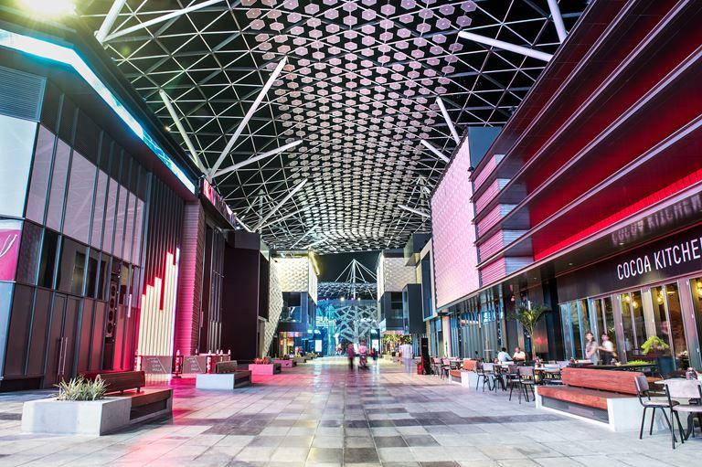 Куда пойти в Дубае с детьми: лучшие развлечения для семейного отдыха - City Walk