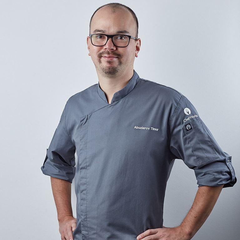 Бренд-шеф сервиса доставки здорового питания Juicy Food Тимур Абузяров