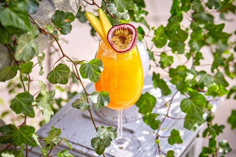 Лимонад манго-маракуйя от ресторана «Турандот»