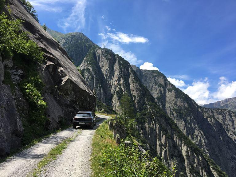 Путешествие по дорогам долины Урсерн от The Chedi Andermatt (Швейцария) - фото 1