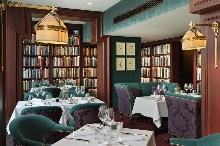 Новый интерьер ресторана Le Joy отеля Hôtel Barrière Le Fouquet's Paris - фото 3
