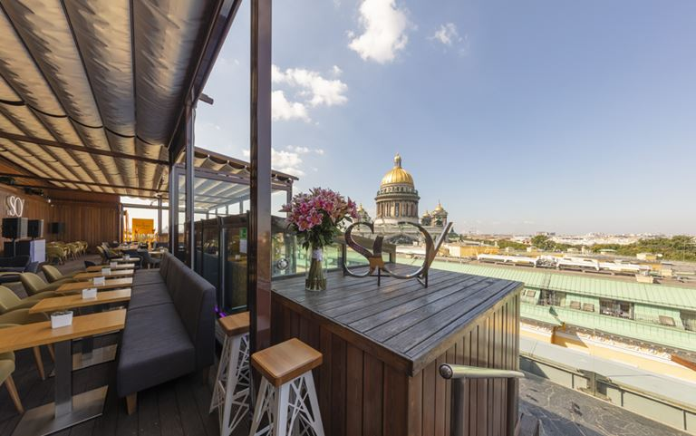 Панорамная терраса с видом на Исаакиевский собор в отеле SO/ St. Petersburg - фото 1