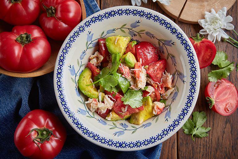 Салат с крабом и авокадо от ресторана «Сыроварня» – рецепт