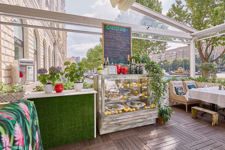 Летняя веранда ресторана Christian (Москва)