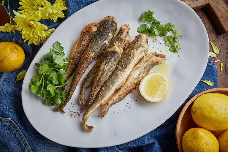 Жареная навага из Карского моря от ресторана «Сыроварня» – рецепт