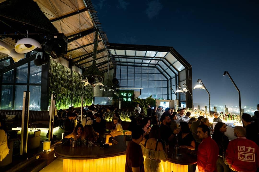 Insta-вдохновение: 5 мест в Дубае для лучших ракурсов башни Бурдж-Халифа - Ресторан 40 Kong на крыше в отеле H Hotel