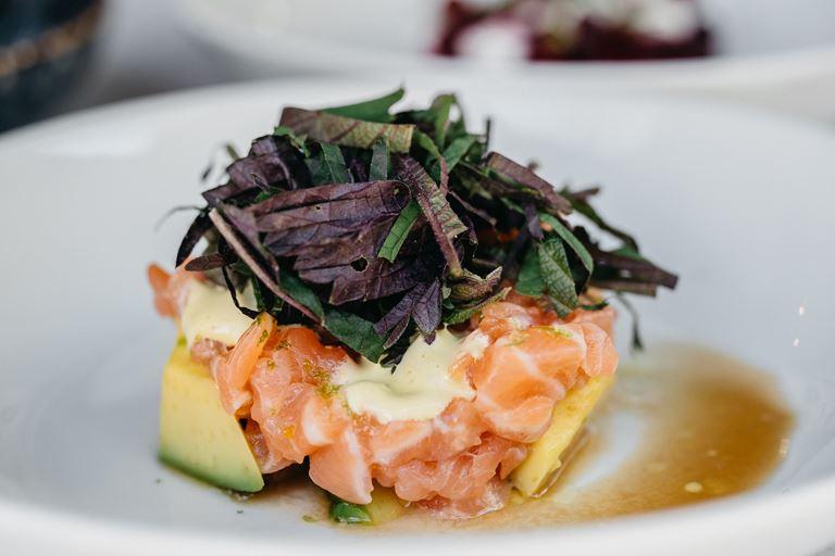 Тартар из лосося от ресторана Avocado Queen - рецепт