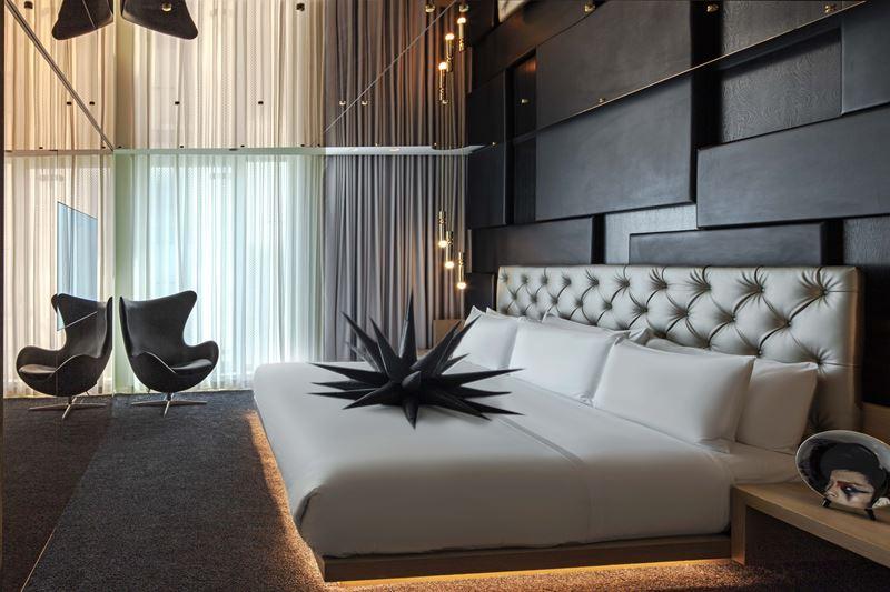 Высокотехнологичный интерьер: стильная реновация отеля W London – Leicester Square - фото 2