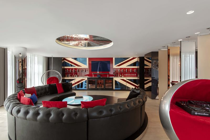 Высокотехнологичный интерьер: стильная реновация отеля W London – Leicester Square - фото 1
