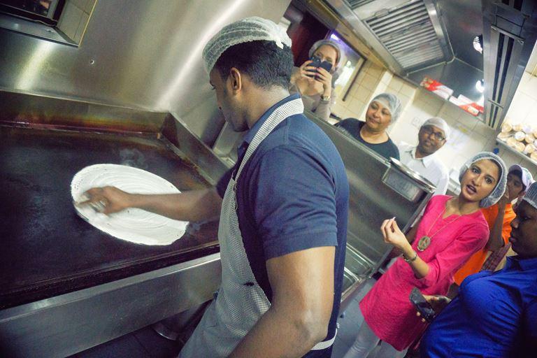 Нетуристический Дубай: куда пойти и чем заняться - Эмиратские блюда на кулинарных мастер-классах
