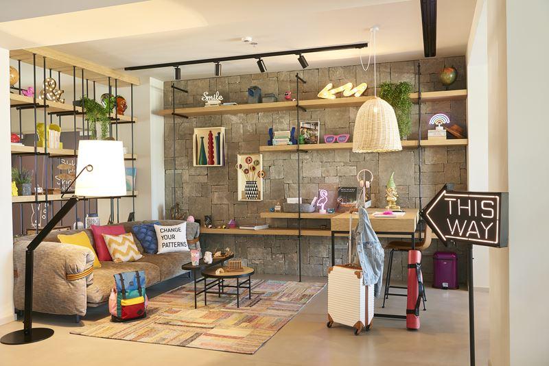 Moxy открывает новый отель Moxy Patra Marina в Греции - фото 1