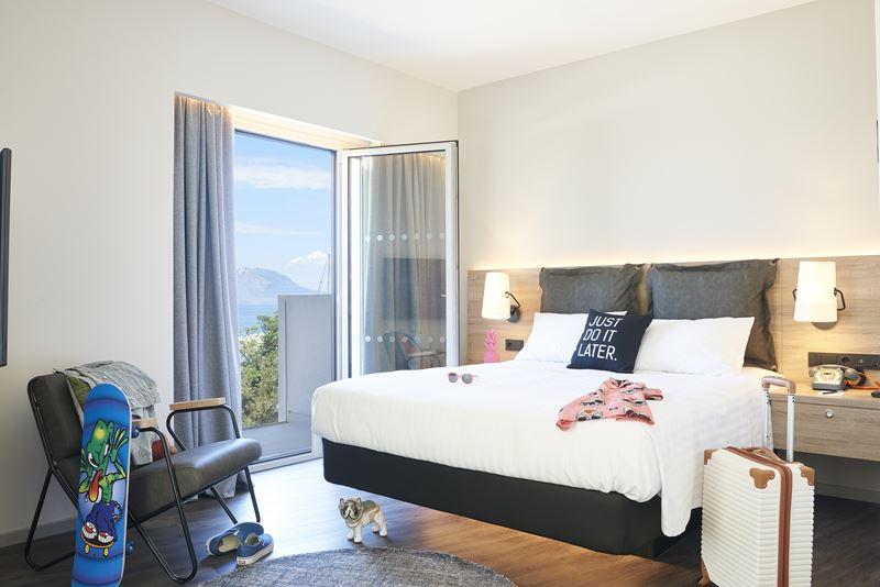 Moxy открывает новый отель Moxy Patra Marina в Греции - фото 5