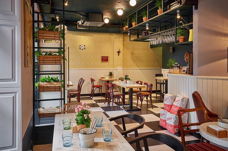 Новое место в Москве: римская пиццерия Pizza Si на Проспекте Мира - интерьер