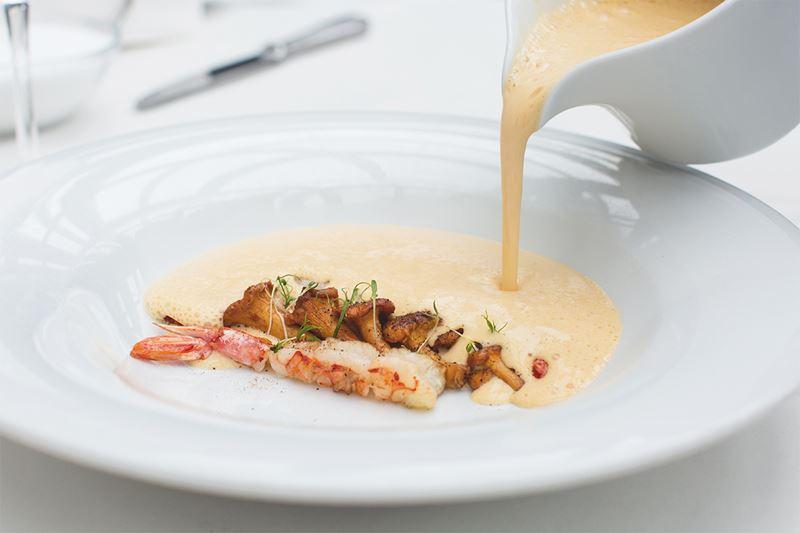Сезон лисичек-2019 в ресторанах Москвы - Сырный крем-суп