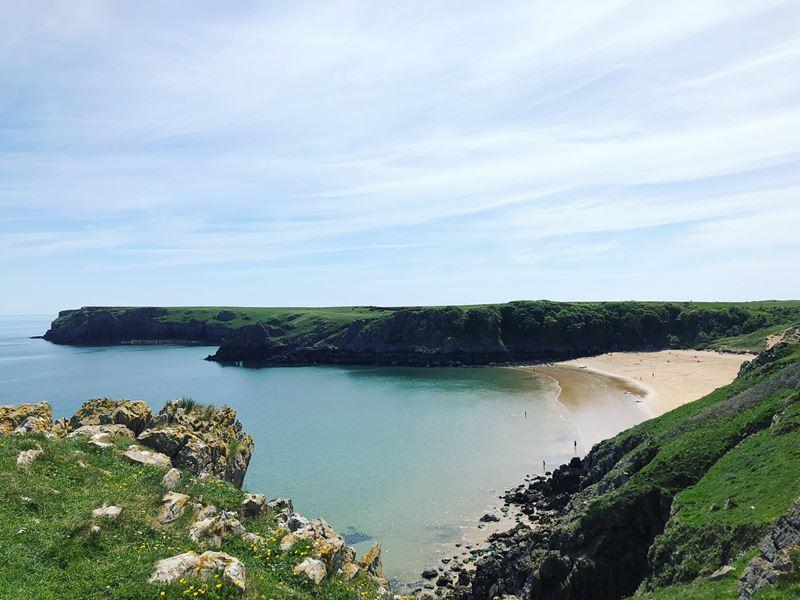 Топ-15 самых красивых пляжей Великобритании - Барафундл Бэй, Пембрукшир (Уэльс)