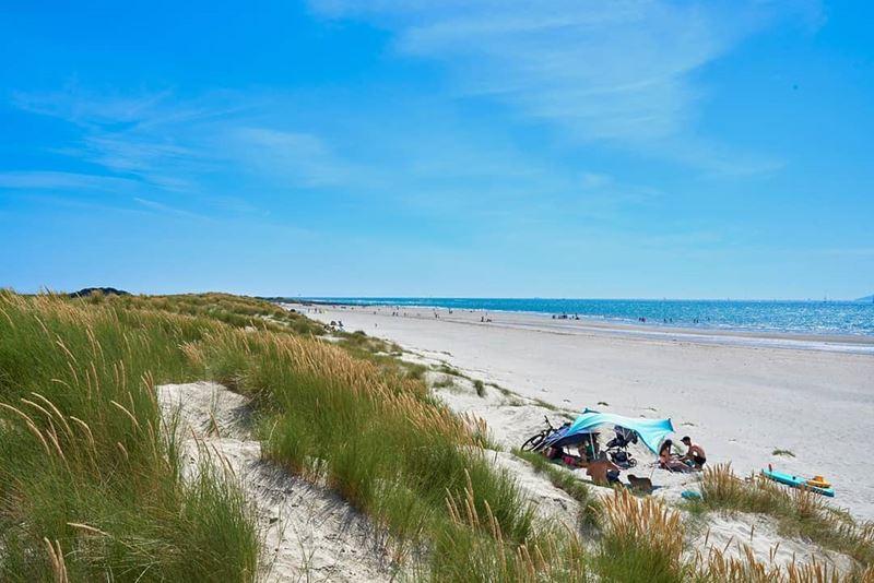Топ-15 самых красивых пляжей Великобритании - Вест Уиттеринг, Сассекс (Англия)