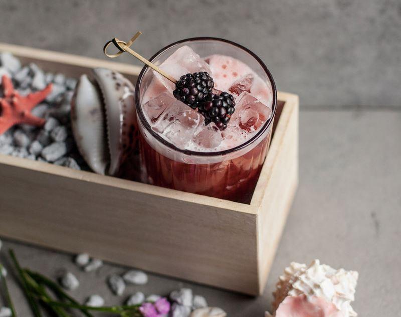 5 рецептов напитков с малиной от ресторанов Москвы - Коктейль «Песня моря» от сети ресторанов «Жаровня»