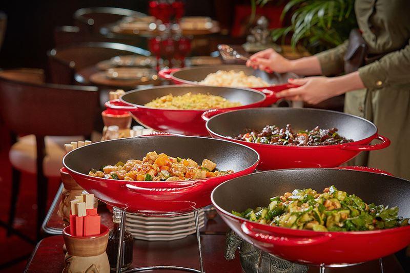 Императорские бранчи в ресторанах «Китайская грамота. Бар и Еда» в Москве