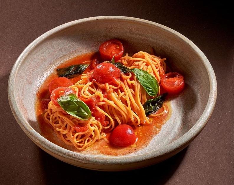 Рецепт тальолини с томатами и острым перцем от ресторана La Fabbrica