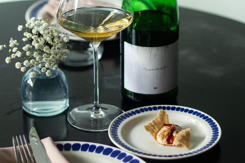 По бокалам: редкие вина в новом предложении гастрономического кафе Charlie (Санкт-Петербург)