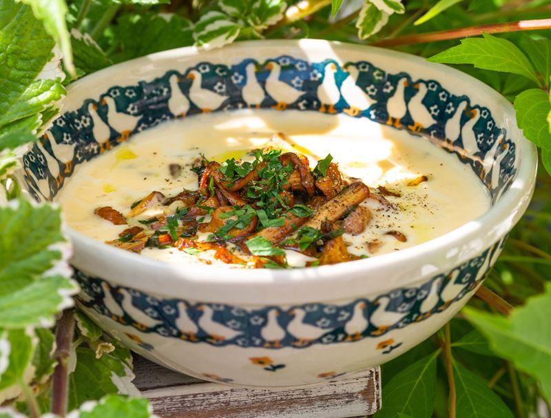 Рецепт сырного супа с лисичками от ресторана «Сыроварня»