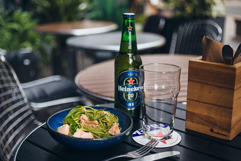 Летние рецепты от шеф-повара Виталия Истомина - Спагетти с лососем и песто