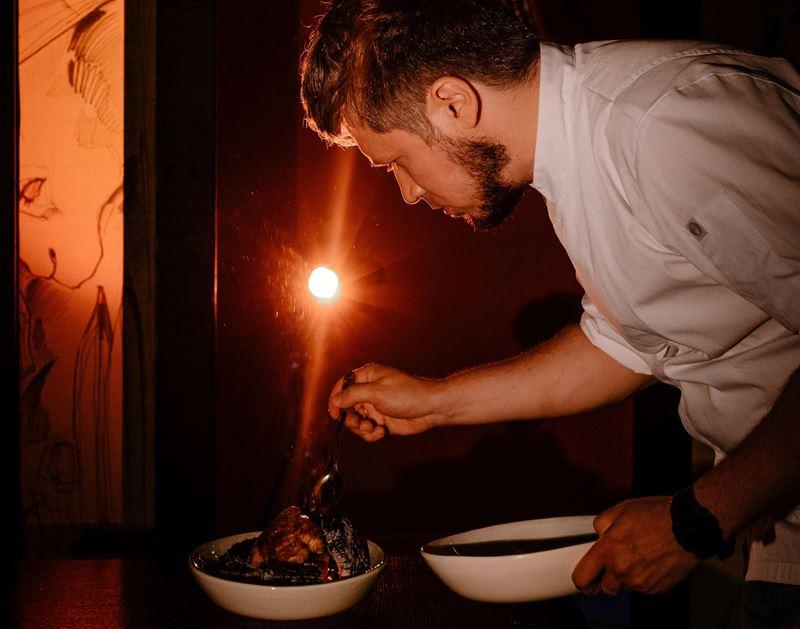 Ужин в темноте: слепая дегустация в гастробаре «Игристый»