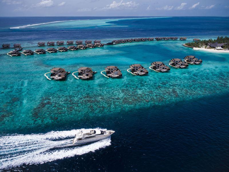 Курорт Jumeirah Vittaveli представляет первую на Мальдивах суперъяхту MY Vittaveli - фото 1