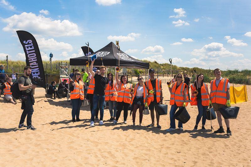 Бренд Penta Hotels принял участие во Всемирном Дне чистоты и помог местным жителям с уборкой