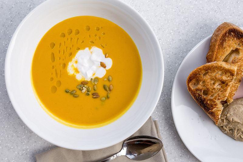 Рецепт крем-супа из тыквы от шеф-повара ресторана KUZNYAHOUSE Руслана Закирова
