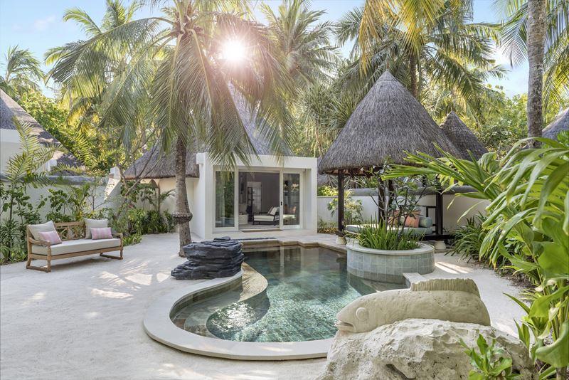 Новые пляжные виллы Four Seasons Resort Maldives at Kuda Huraa - фото 2