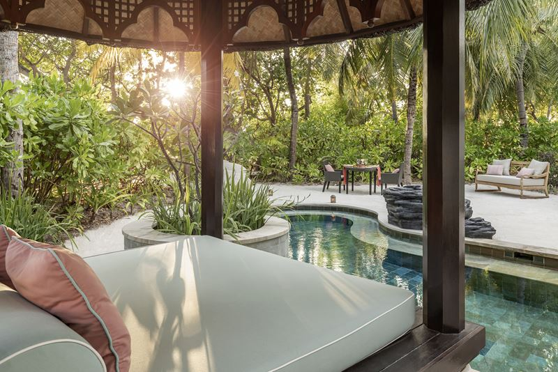 Новые пляжные виллы Four Seasons Resort Maldives at Kuda Huraa - фото 3