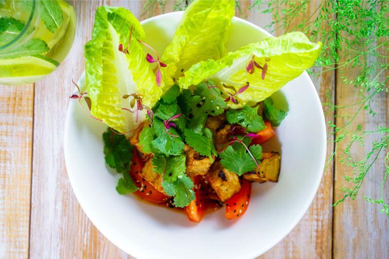Блюда с баклажанами: 5 рецептов от шеф-поваров ресторанов - Печеные баклажаны с томатами и соусом эбара