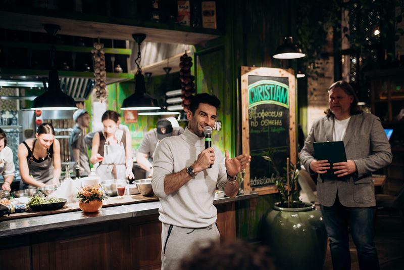 «Профессия по обмену»: блогеры вместо шеф-поваров в ресторане Christian (26 ноября)