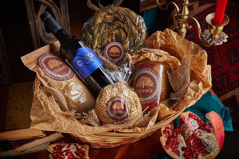 Подарочные корзины от ресторана Gayane`s - кулинарная