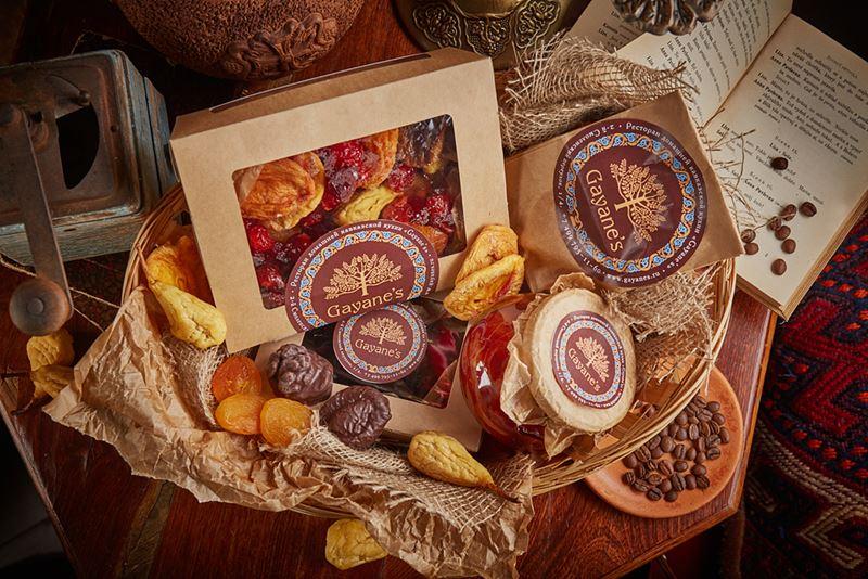 Подарочные корзины от ресторана Gayane`s - кофейно-десертная