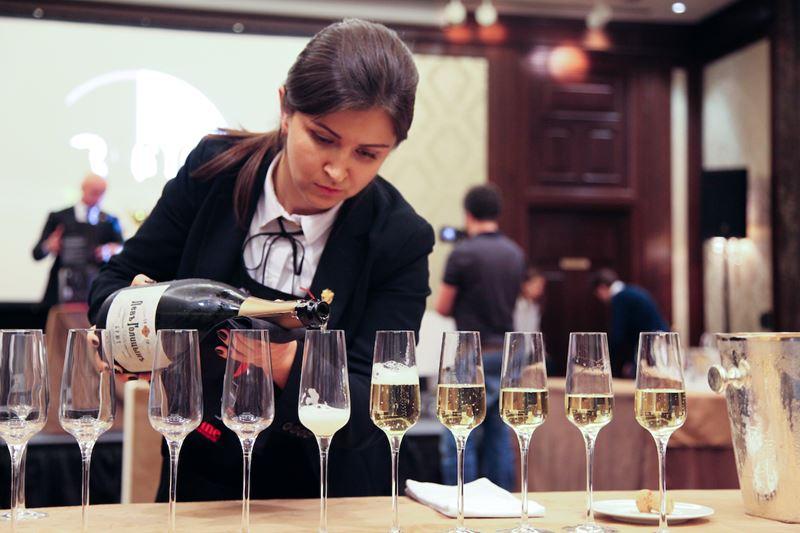 Сомелье ресторана «Китайская грамота. Бар и Еда» выиграла III Московский кубок сомелье