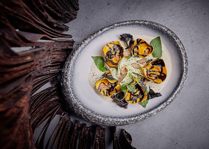Равиоли с кроликом, чёрными лисичками в трюфельном соусе - Шеф-повар Сергей Кондаков (ресторан Sixty)